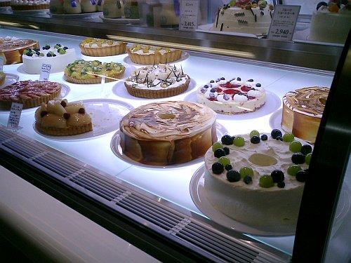 岡山駅東口にできてるケーキ屋さん